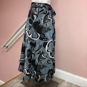 Dresses & Skirts - Blue flora wrap skirt size medium